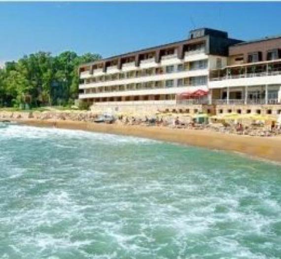 хотел нимфа ривиера снимка от плажа
