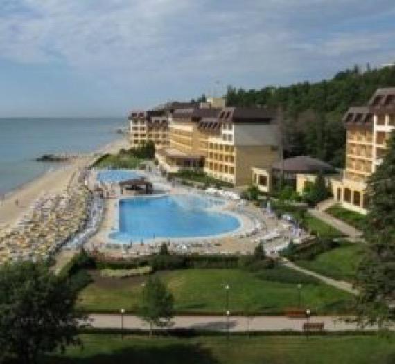 снимка на плажа пред хотел ривиера бийч