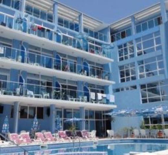 снимка басейн хотел китен палас