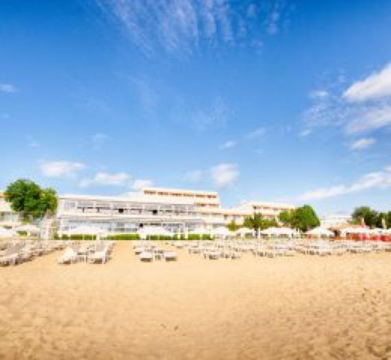 Хотел Сунео Хелиос Бийч Обзор снимка от плажа