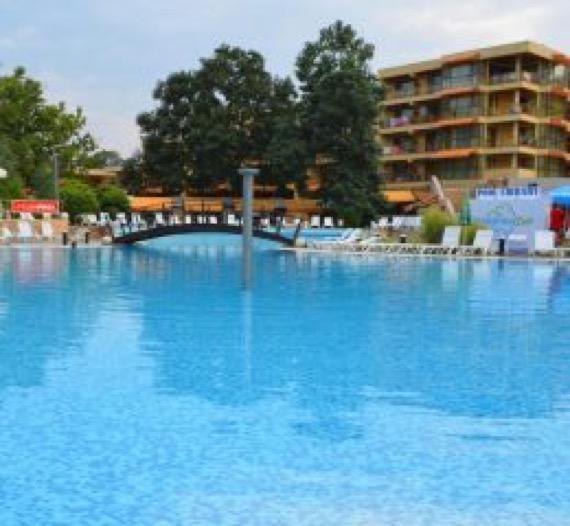 Хотел Магнолиите Приморско изображение басейн