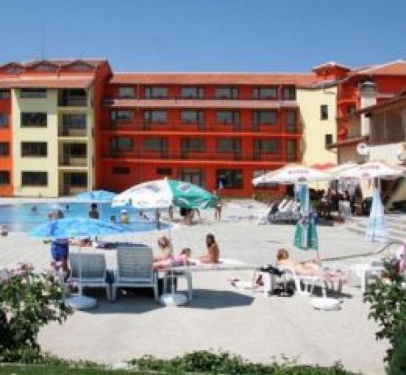 хотел гранд самоков снимка външен басейн