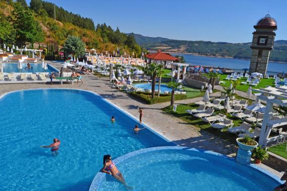 Хотел Главатарски хан , Кърджали снимка басейн