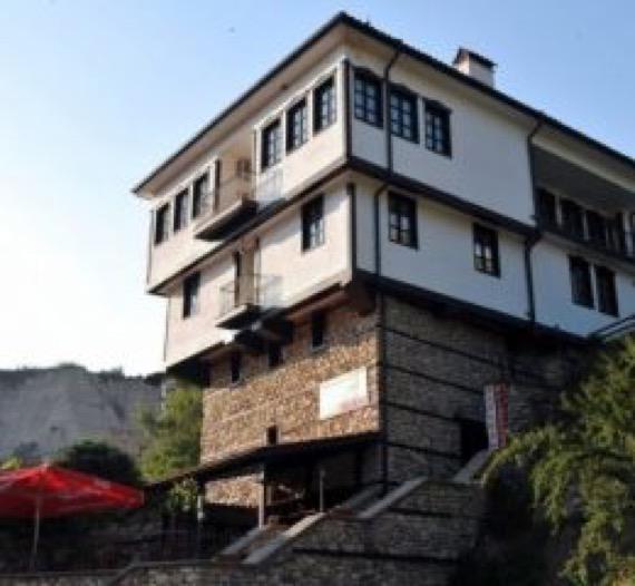 Хотел Свети Никола Мелник снимка
