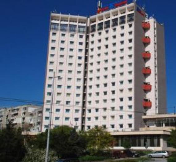 Хотел Балкан Плевен снимка