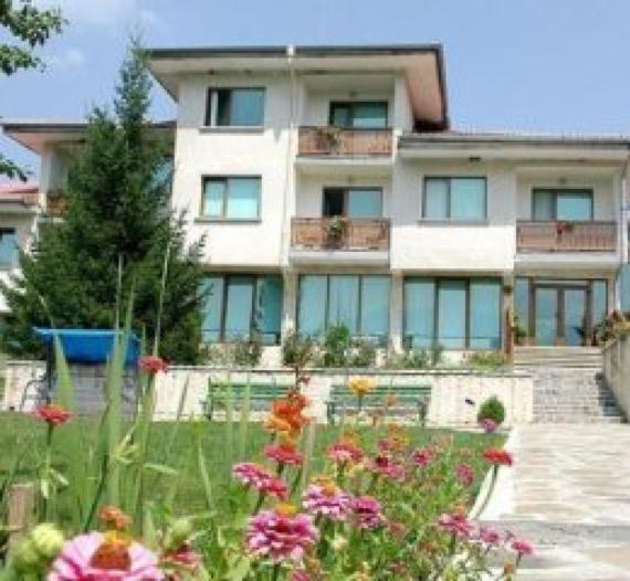 Хотел Панорама Априлци снимка