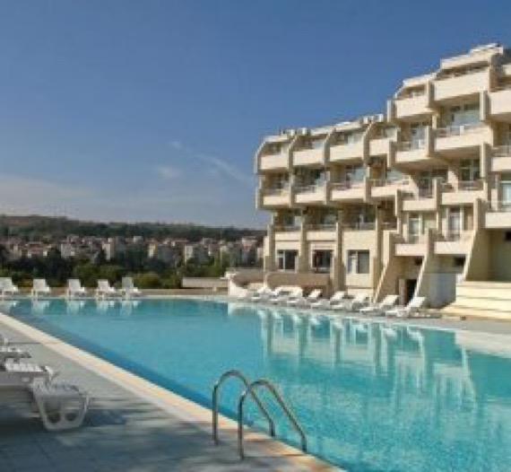 Хотел Панорама Сандански снимка външен басейн
