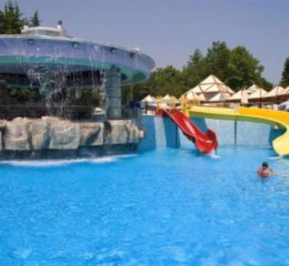 Хотел Магнолия Стандарт, Албения басейн - снимка