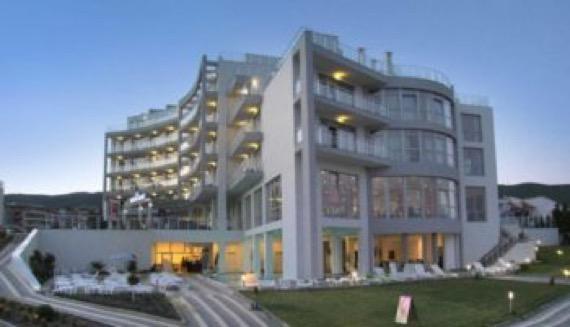 Оферта All Inclusive в хотел на брега на морето в Свети Влас снимка