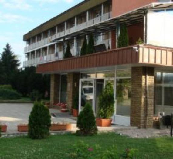 Хотел Стряма, село Баня до Карлово