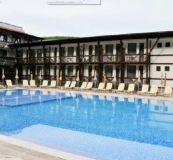 Парк Хотел Асеневци Велико Търново снимка външен басейн
