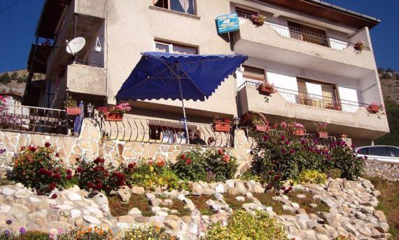 Къща Изгрев, Триград - БГ Хотели