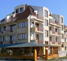 Хотел Свети Илия, Равда