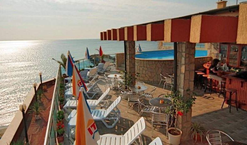 изглед от хотел Бижу в Равда